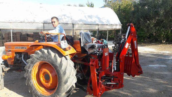 mini kanal kazıcı kepçe mini beko loder traktör arkası kazıcı (11)