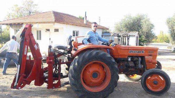 mini kanal kazıcı kepçe mini beko loder traktör arkası kazıcı (21)