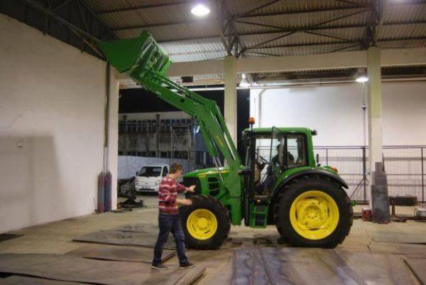 Traktör ön yükleyici kepçe (34)