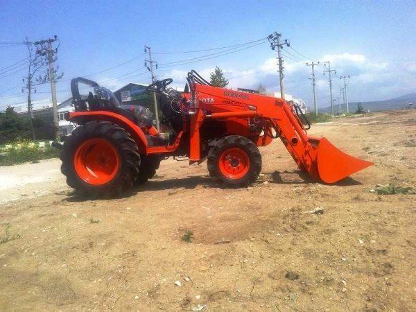 Traktör kepçe Kubota (12)