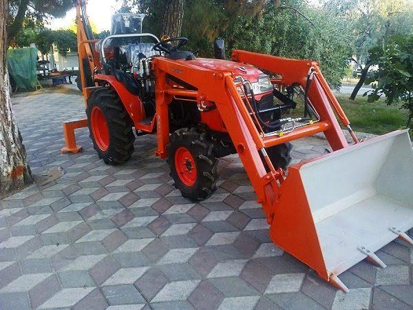 Traktör kepçe Kubota (14)