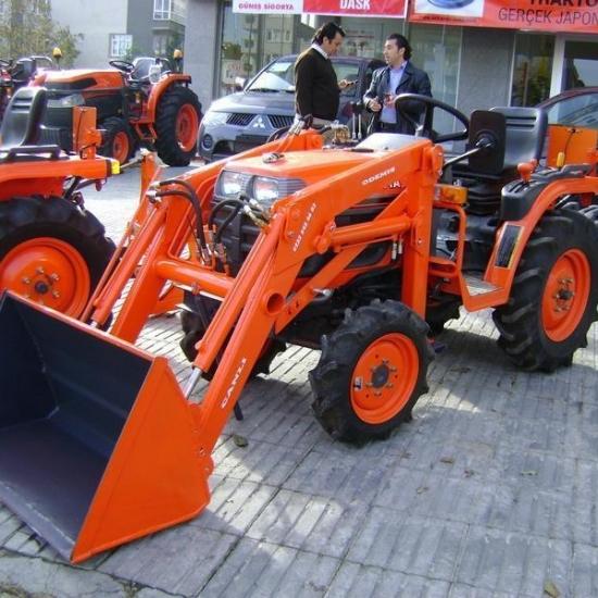 Traktör kepçe Kubota (18)