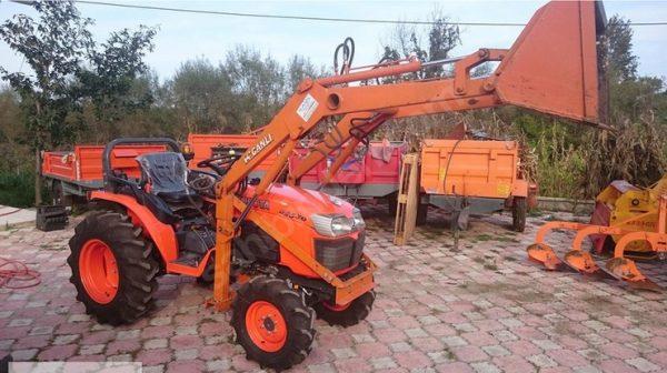 Traktör kepçe Kubota (26)