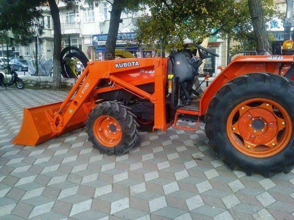Traktör kepçe Kubota (35)