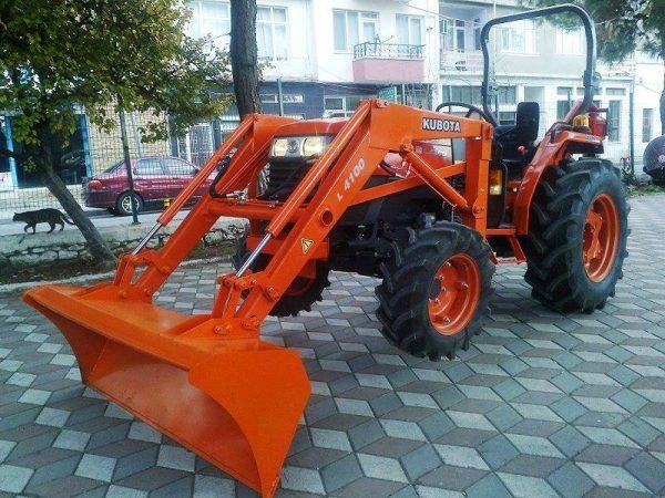 Traktör kepçe Kubota (36)