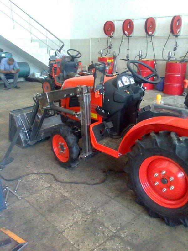 Traktör kepçe Kubota (7)