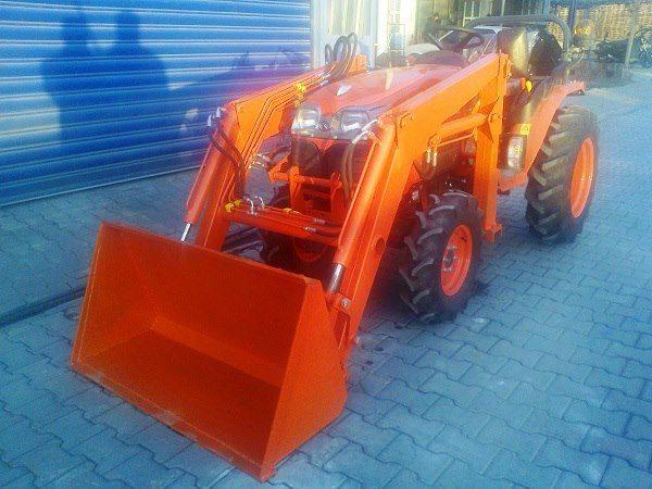 kubata traktör kepçe