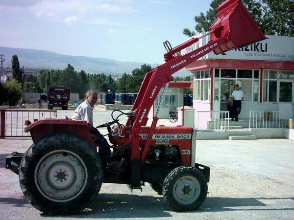 satılık traktör kepçe satılık traktör ön kepçe satılık traktör ön yükleyici kepçe (5)
