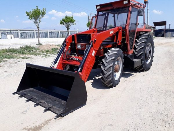 traktör kepçe ön yükleyici kepçe Tümosan (3)