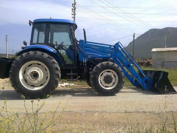 traktör kepçe New holland (18)