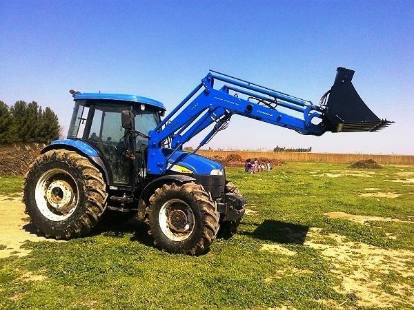 traktör ön yükleyici kepçe imalatı new holland td 100 (1)