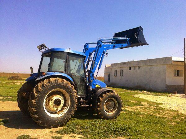 traktör ön yükleyici kepçe imalatı new holland td 100 (11)