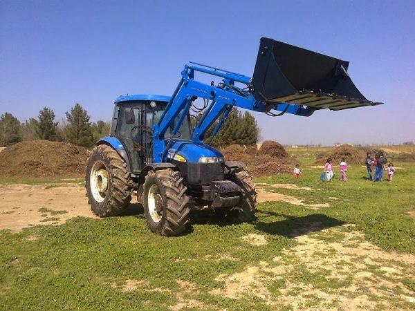 traktör ön yükleyici kepçe imalatı new holland td 100 (7)